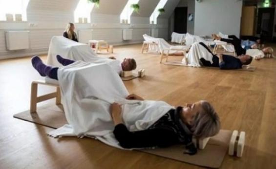 Bevezethetik Finnországban a munkahelyi alvást!