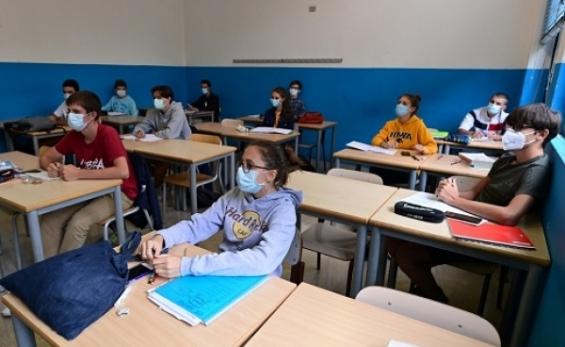Olaszországban együtt sztrájkolnak a diákok és tanárok